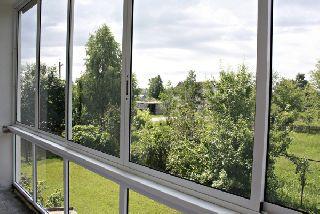 Остекление балконов и лоджий пластиковыми окнами или алюминиевым профилем - отличия вариантов